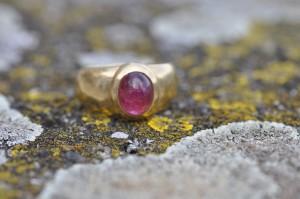 Hochzeitstipp: Kratzfeste Eheringe für dieBraut